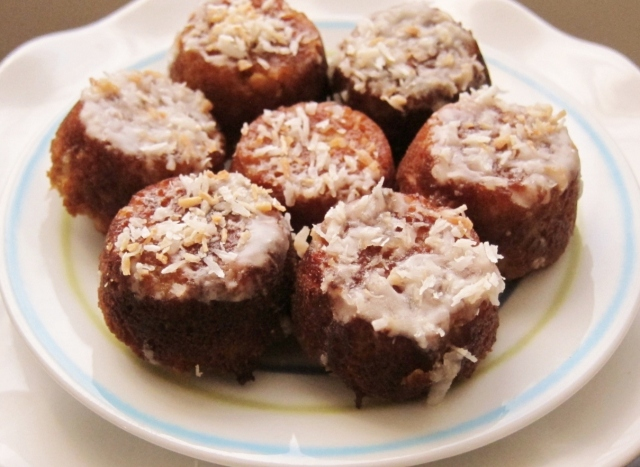 Little Coconut Cakes (13)