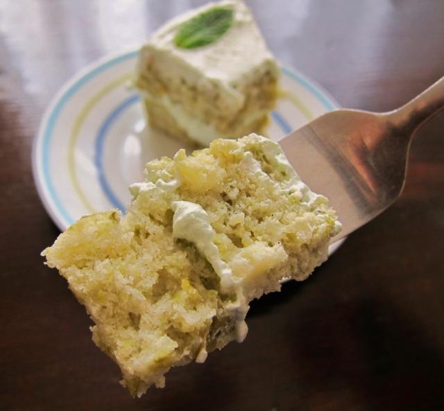 Sweet Pea Spring Cake (2)