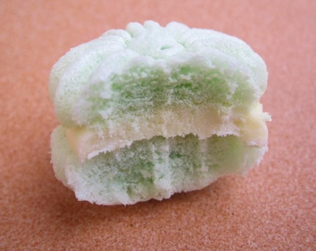 Wasabi meringues (7)