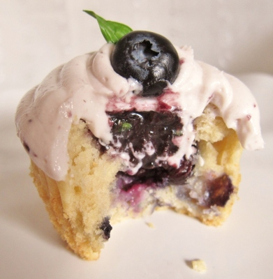 Blueberry Bourbon Basil Cupcakes (22)