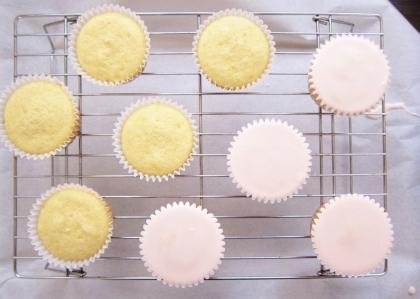 violet cupcakes (8)