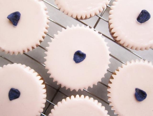 violet cupcakes (10)